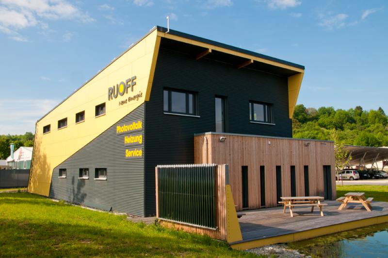 Ansicht Firmengebäude RUOFF Energietechnik in Riederich