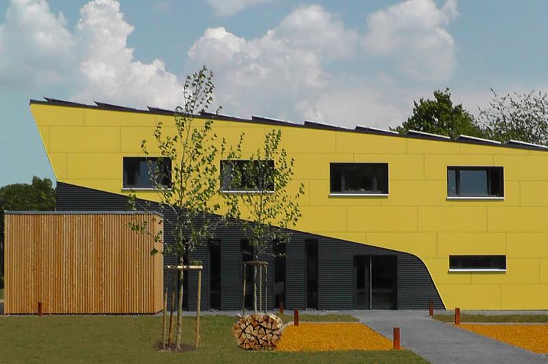 Eingang ins Firmengebäude der RUOFF Energietechnik Riederich